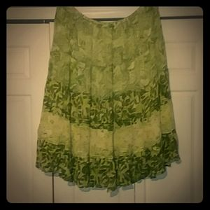 THE AVENUE, Green and white skirt sz 26/28